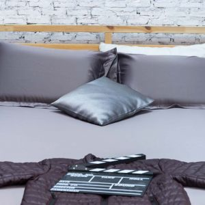 Dark brown Whizz bedding